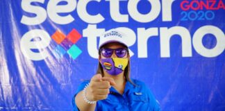 Joven profesional del Partido de la Liberación Dominicana (PLD) en Santiago, Elizabeth Rosa.