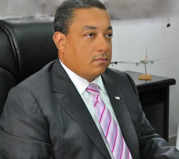 Alejandro Herrera, director del Instituto Dominicano de Aviación Civil.