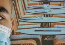 Restaurante vacio en tiempo de coronavirus. Imagen de Alexandra_Koch en Pixabay .