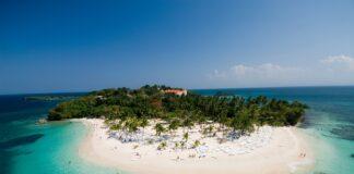 Cayo Levantado, Samaná, República Dominicana. Imagen de Georges Tours en Pixabay.
