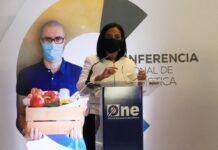 Anina Del Castillo, titular de Pro Consumidor, al participar en la Cuarta Conferencia Nacional de Estadísticas.