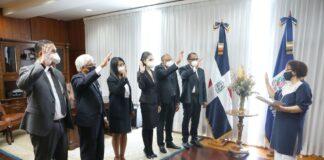 Los procuradores adjuntos fueron juramentados por Miriam Germán en su despacho.