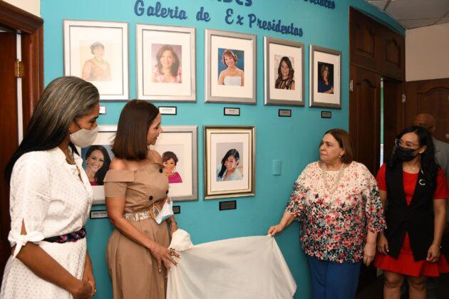 Rosa Arredondo, Claudine Nova, Mirna Pimentel y Caroll Mueses.