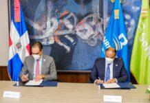 Samuel Pereyra y Santiago Hazim, durante la firma del acuerdo.